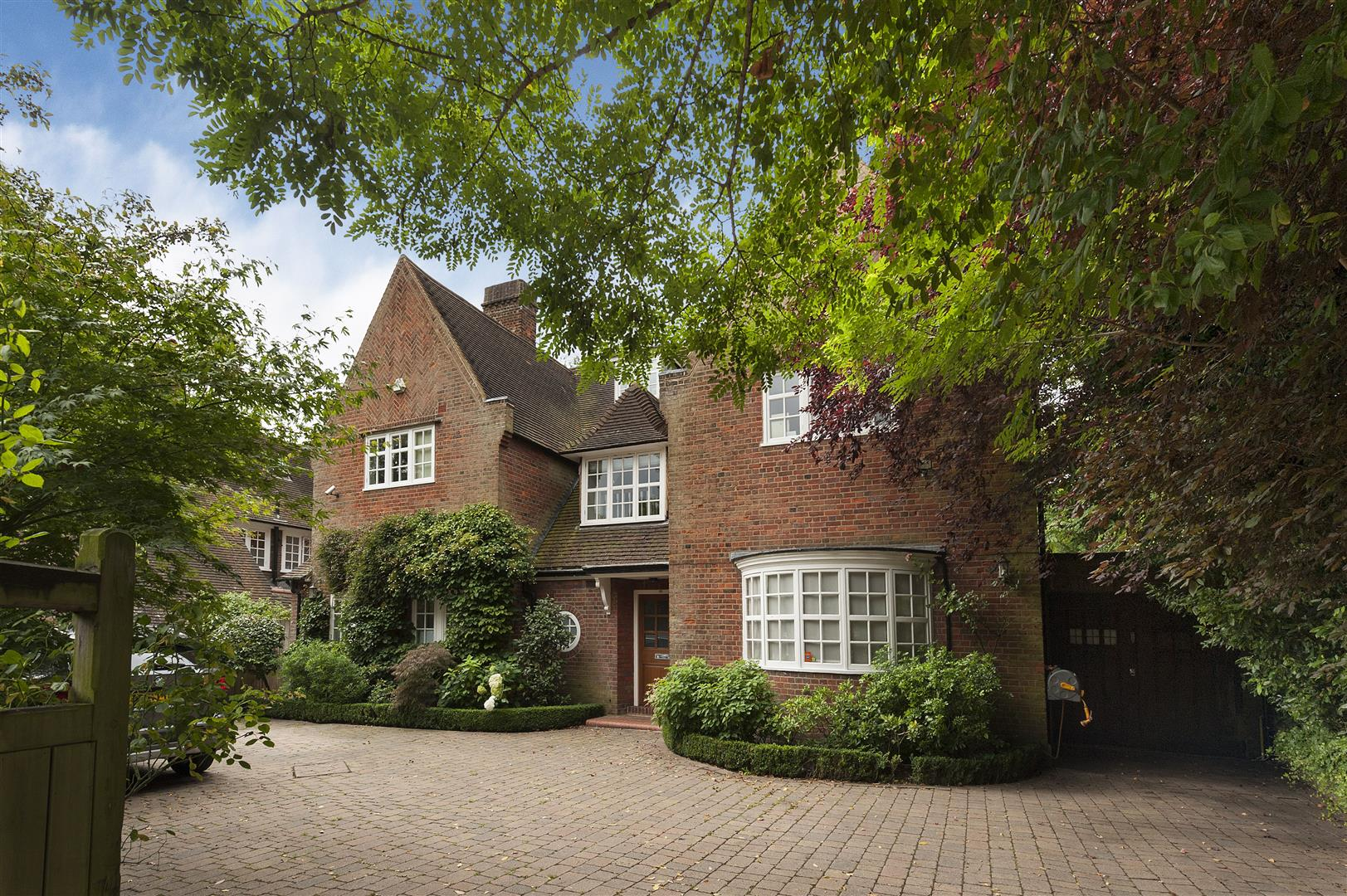 5 Bedrooms House for sale in Hampstead Way, Hampstead Garden Surburb, NW11